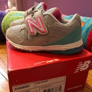 Brand new - New balance-  Velcro sneakers. Size 9